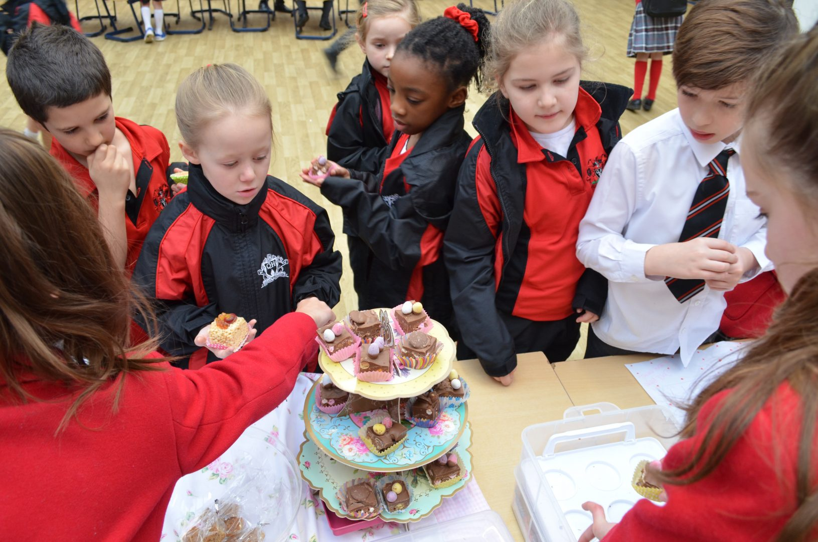 QHS students enjoy different selection of cakes